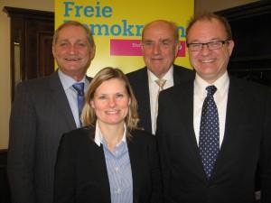 v.l.n.r. Armin Serwani, Kreisvorsitzender; Charlotta Eskilsson, stv. Kreisvorsitzende; Wolfgang Voelker, Kreisschatzmeister; Michael Conz, stv. Kreisvorsitzender